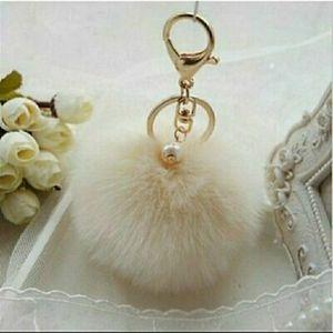 ❤3/$15 Fluffy White Faux Fur Key Chain